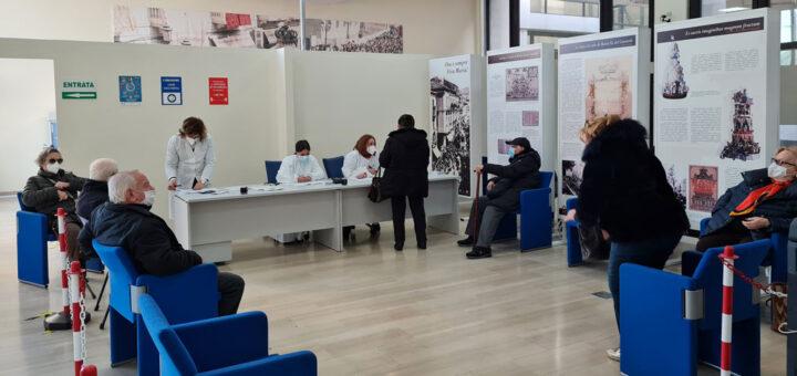 Calabria lenta nelle vaccinazioni gli anziani rischiano lo Stato assente